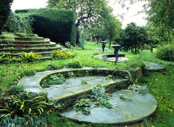 romantico_deanery_garden