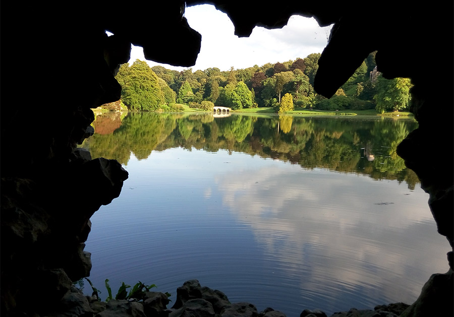 Foto 4 stourhead gruta