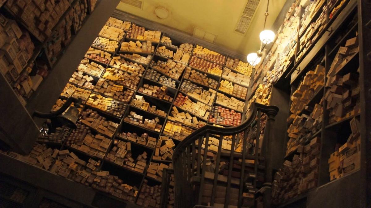 ollivanders wand shop wizarding world of harry potter 768 oi