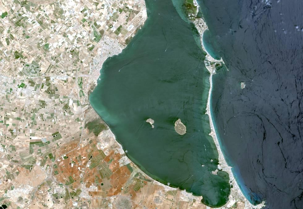 El Mar Menor vist des del satèl·lit de teledetecció / SPOT (elpais.com)